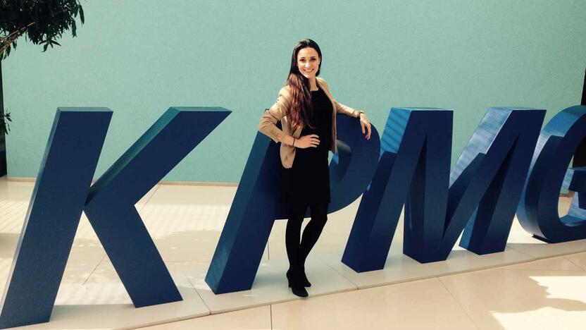 Anna S., Einsteigerin im IT Consulting [Quelle: KPMG]